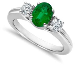 emerald-engagement-ring-with-diamond-side-stones