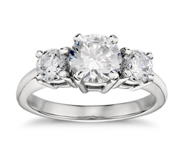 Round Diamond Classic Three-Stone Engagement Ring (Platinum)