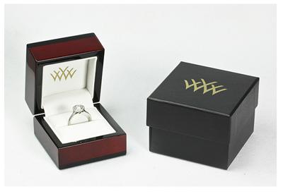 Whiteflash engagement ring box