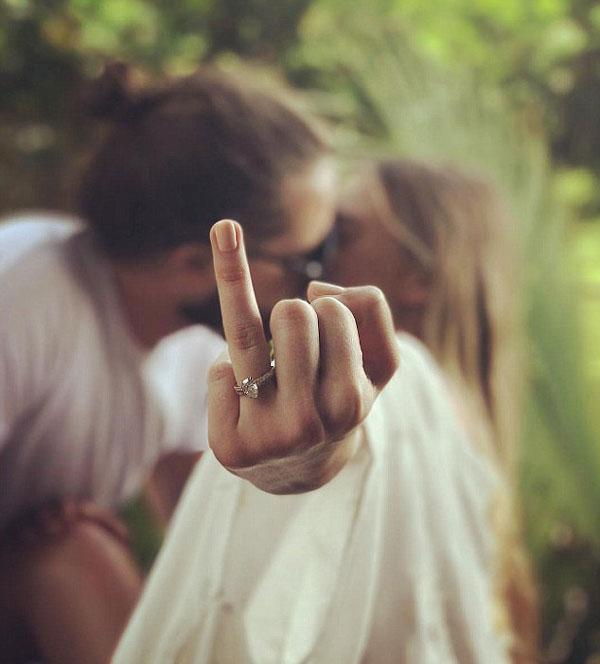 Margot Robbie engagement ring wedding pic