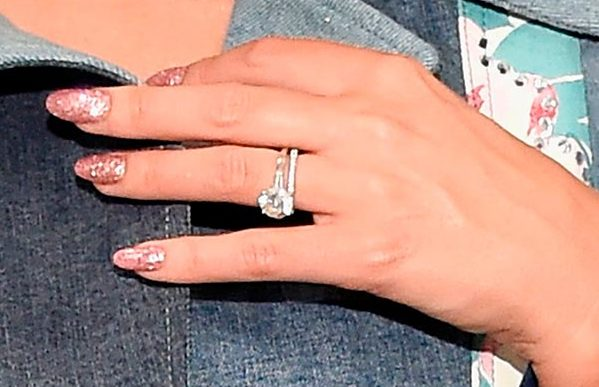 Miranda Kerrs Engagement Ring Close Up