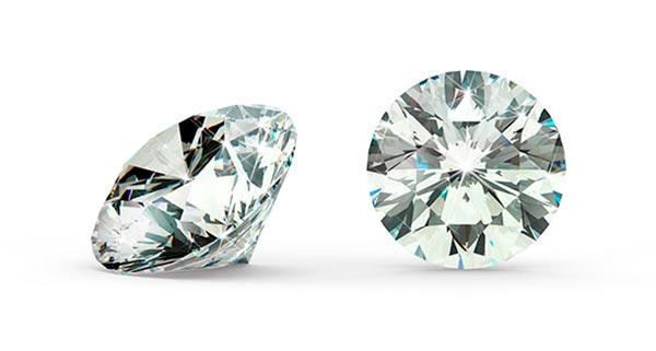 Miranda Kerrs Engagement Ring Round Brilliant Cut