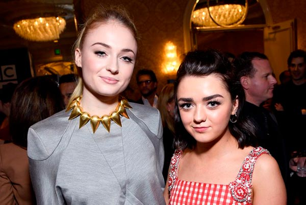 Sophie Turners Engagement Ring Maisie Williams and Sophie Turner
