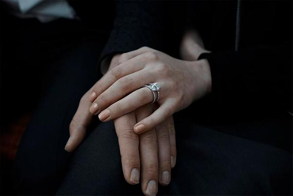 Sophie Turners Engagement Ring Instagram Debut