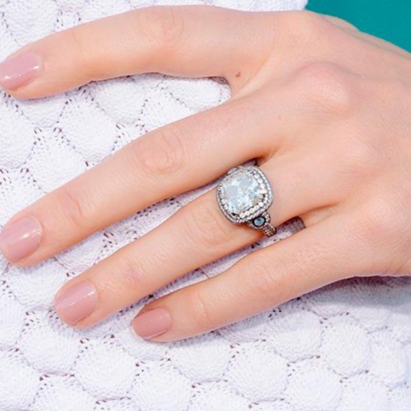 Jessica Biels Engagement Ring Close Up
