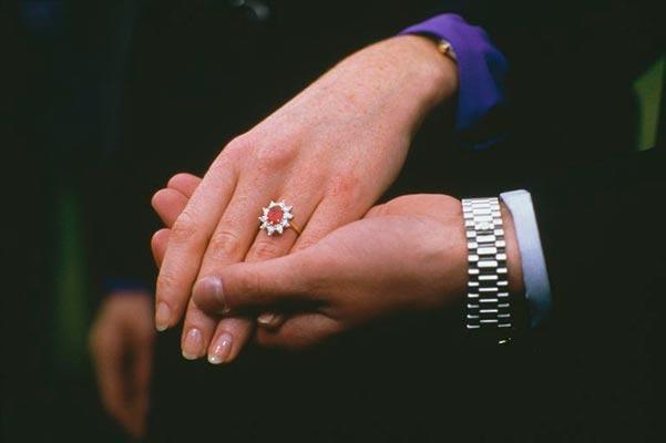 Princess Eugenies Engagement Ring Princess Eugenies Mothers Engagement Ring