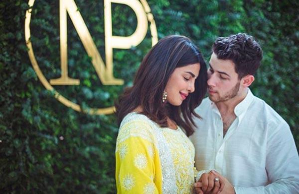 Priyanka Chopras Engagment Ring Engagement Announcement