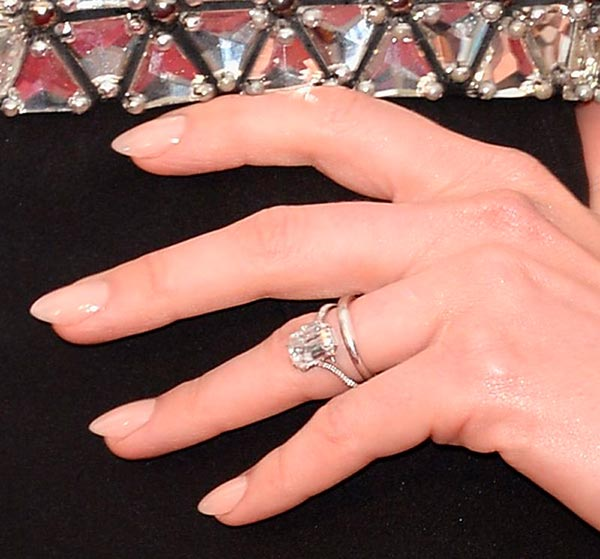 Anne Hathaways Engagement Ring Close Up