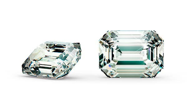 Anne Hathaways Engagement Ring Emerald Cut Diamond