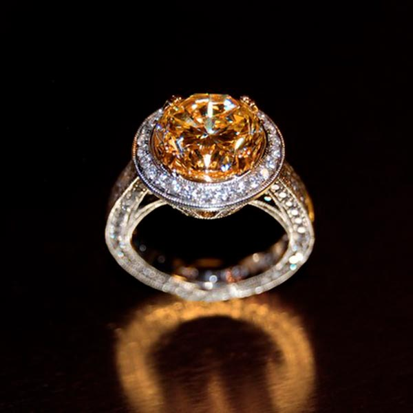 Carrie Underwoods Engagement Ring Official Image